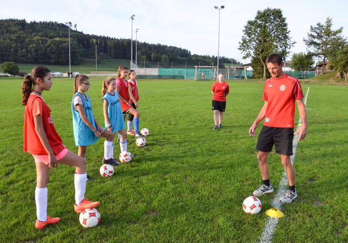 Permalink zu:Der FC Eschlikon sucht motivierte Kickerinnen
